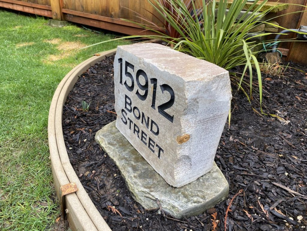 address rocks and welcome stones