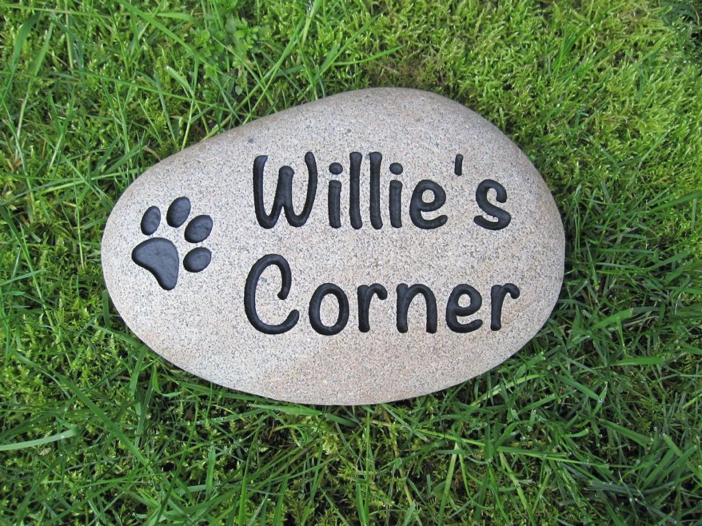 engraved stone pet memorial